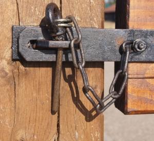 Locked-1421900-m